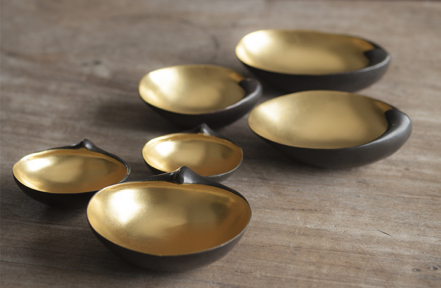 Gilded scallops in bronze and gold leaf by Alexander Lamont