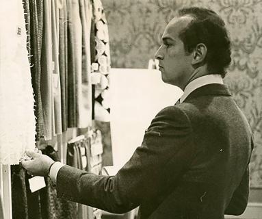 Oscar de la Renta choosing fabrics